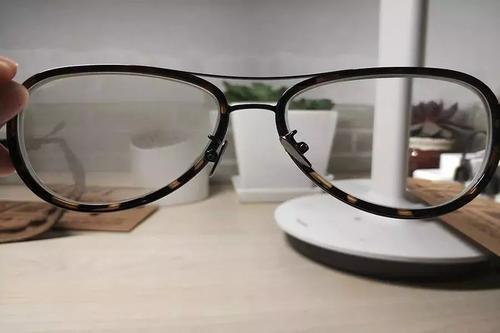 眼镜片起雾怎么办?镜片防雾剂很重要