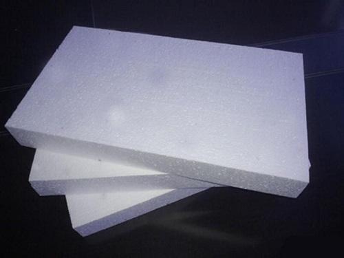 再生塑料发泡板为什么要添加荧光增白剂?