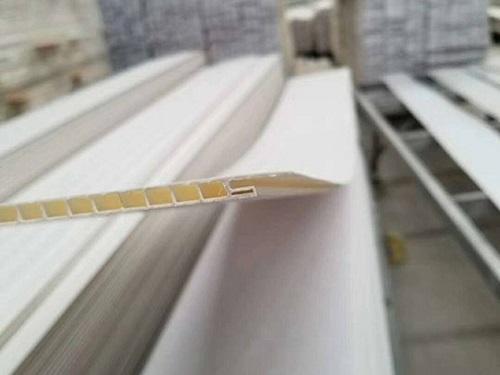 扣板为什么需要添加荧光增白剂?